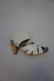SPM, sandalet, leer, ritsje, valt ruim/groter, grijs wit, 39,40