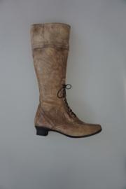 Footnotes, hoge kalfsleren laars met vetertje voor, leer gevoerd, uitneembaar voetbed, wijdte G, taupe 36½