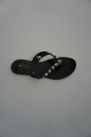 Petite Jolie, teen slipper zwart met gouden studs 35 36 37 38