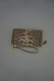 Lou Lou SLB 76G 024, Tiger Lily, wallet en Clucth, taupe, gouden rits