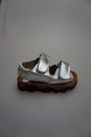 Bardossa, metallic leren klittenbandsandaaltje, met kurk voetbed, smal, zilver  22