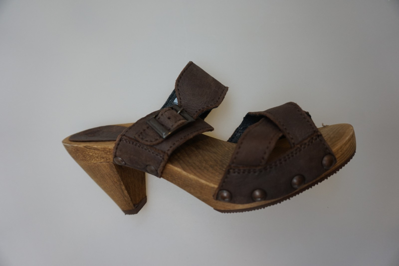 Sanita, houten slipper, wood en leather, Cone sandal, dk