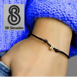 14krt GoudenLetter armband met satijnkoord.