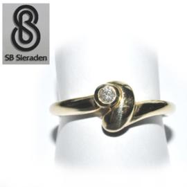 14krt gouden ring - met 1 Briljant - 0.10crt