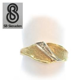 14krt gouden ring SCANDINAVISCH DESIGN met Diamant