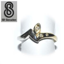 14krt gouden ring - met 3 Briljanten - geel en witgoud
