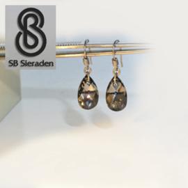 Titanium Oorhangers met kristallen druppels .