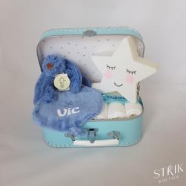 Koffertje lichtblauw met naam of tekst