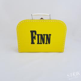 Koffertje okergeel met naam of tekst