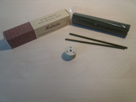 Kruidenwierook zonder Bamboe, Meditatie