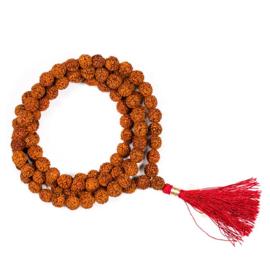 Mala Rudraksha 108 kralen met rode kwast, incl tasje