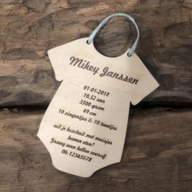 Uniek geboortekaartje op hout