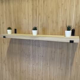 Wandplank met stalen beugel
