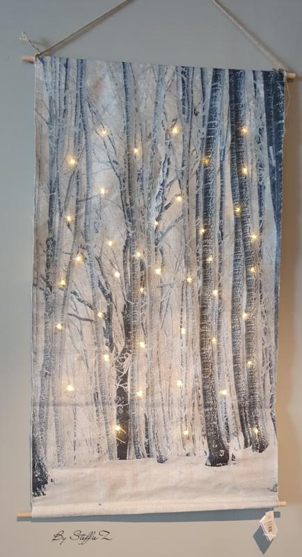 Kerstdoek bomen metverlichting 60x110cm - in Kerst