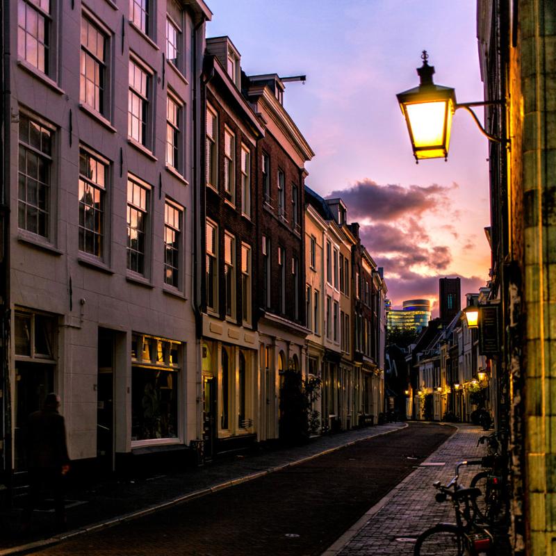 Vierkante print: De Haverstraat bij zonsondergang