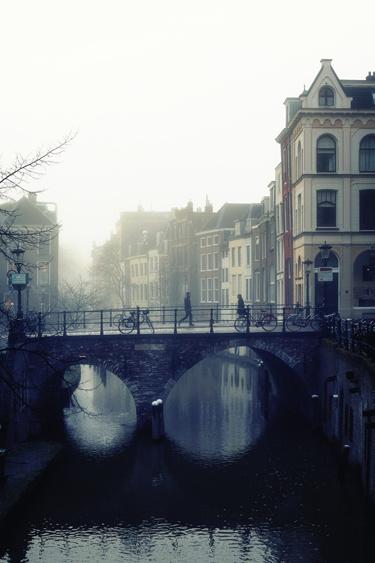 De Maartensbrug in de mist