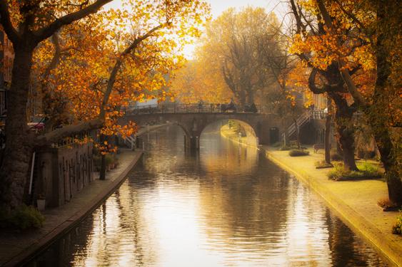 Ansichtkaart: De Geertebrug in de herfst