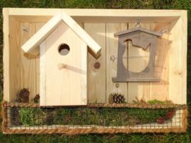 Kist met Vogelhuisje en appelvoeder/broodhouder