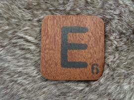Houten Letter E 6x6cm