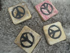 Houten peace 6x6cm
