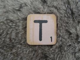 Houten Letter T 6x6cm