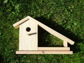 Vogelhuisje met voerbakje