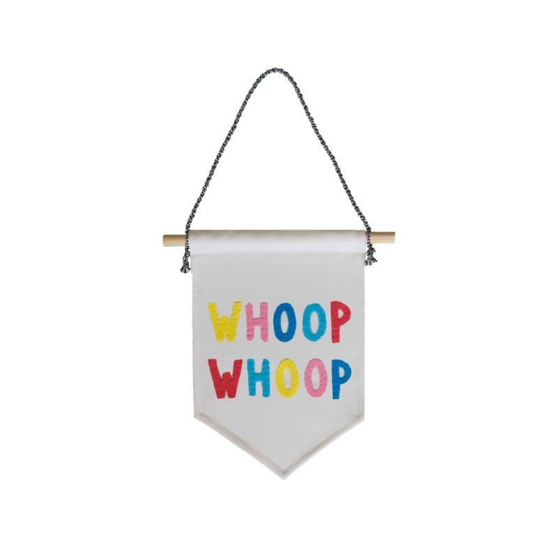 Muurvlag - Whoop Whoop