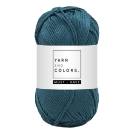Yarn and color must-have petrol blue