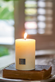 Rustic Candle 7 x 10
