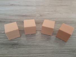 Houten blok 4,5 x 4,5 x 4,5 cm
