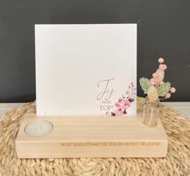 Foto/kaarten-houder 20 cm breed inclusief theelichtje en mini-droogboeketje
