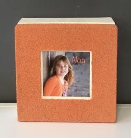 Bewaardoos inclusief 18 mini-doosjes afgewerkt met strandzand kleur oranje