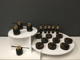 Geurflesje rond klein model, kleur zwart met gouden dop (stokjes en sticker niet inbegrepen)