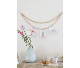 Houten kaartenhouder met kralen kleur roze/wit (incl 5 ophangspeldjes)