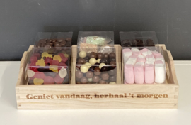 Cadeau-plateau incl 1,5 kg chocolade - en snoepartikelen