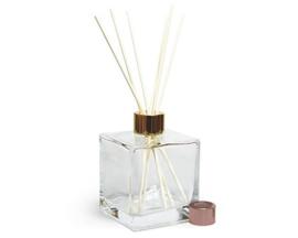 Doorzichtige vierkant glazen fles 300 ml met gouden dop incl natuurkleurige stokjes, leeg