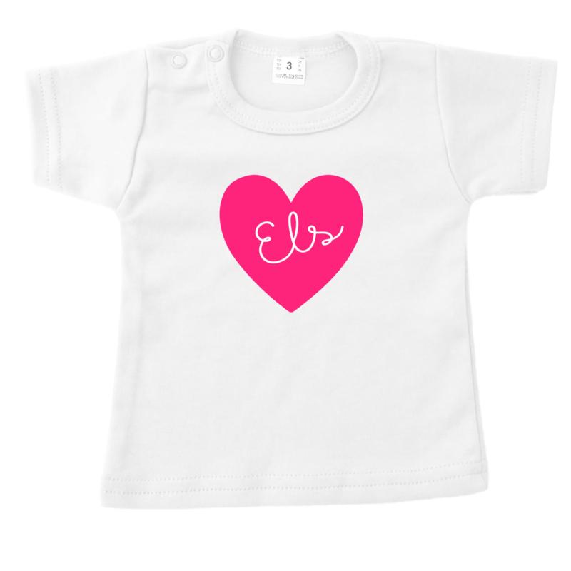 T-shirt met uitgesneden naam
