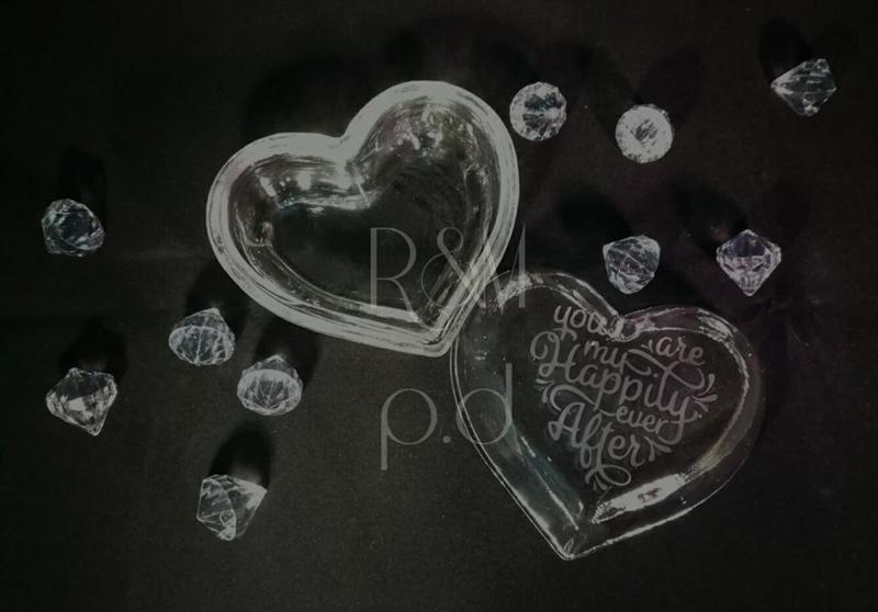 Glazen schaaltje hartvormig ( zonder tekst )
