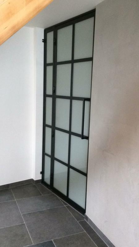 Stalen scharnierdeur met zijscherm
