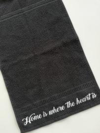 Gastendoekje 'Home is where the heart is'
