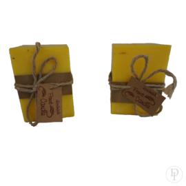 Handgemaakte gele kaars