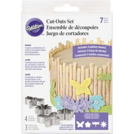 Wilton Cut & Texture Cut Out Set -Garden