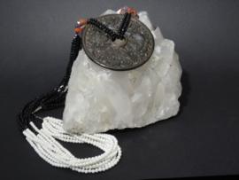 Ketting van Witte Jade, Zwarte Obsidiaan, Amethist, Rookkwarts, Carneool Geluksamulet