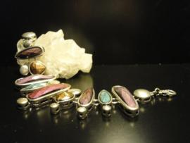 Armband met diverse natuurlijke hars stenen