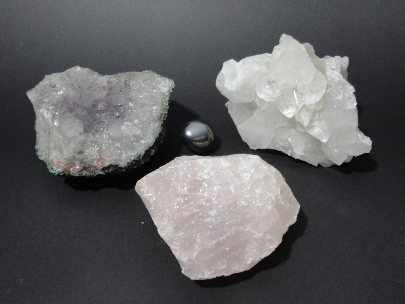 Gouden driehoek Rozenkwarts Amethist Bergkristal met gratis Hematiet