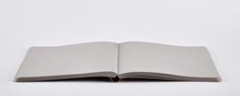 Nuuna Notitieboek A5 - 176 grijze pagina's - Not White L Light Grey + witte gel pen