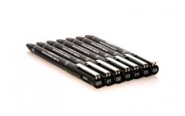 Uni-ball PIN 08 Fineliner - 0,8mm - Zwart