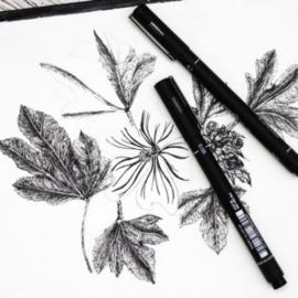 Uni-ball PIN Fineliners/Brush pen 4+1 GRATIS  - Zwart