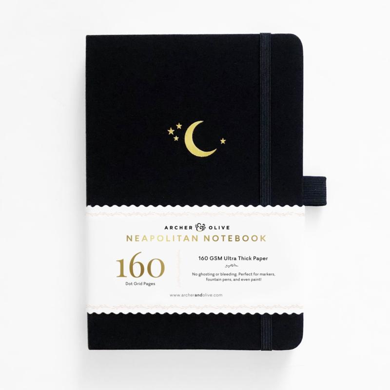Archer & Olive bulletjournal/Notitieboek B5 17,5 x 25 cm- 160 pagina's wit, zwart en kraft - Dotted - Crescent Moon Neapolitan
