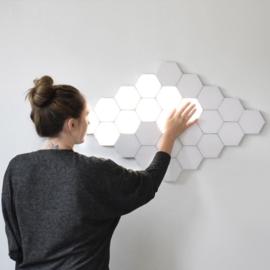 Hexagon Helios Touch Creatieve Decoratieve Wandlamp Warm Wit - Modulaire Verlichting, DIY-Patroon, set van 20 stuks